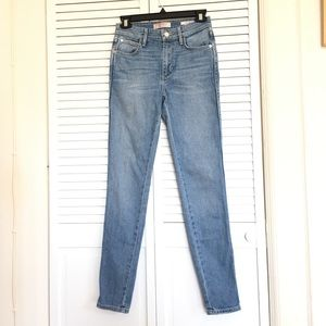Guess 1981 Medium Wash Skinny jeans size 25